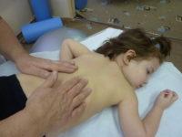Как правильно делать массаж при бронхите — Детки-конфетки