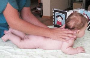Видео как укрепить мышцы спины ребенку 6 месяцев