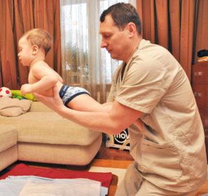 как укрепить мышцы спины малыша